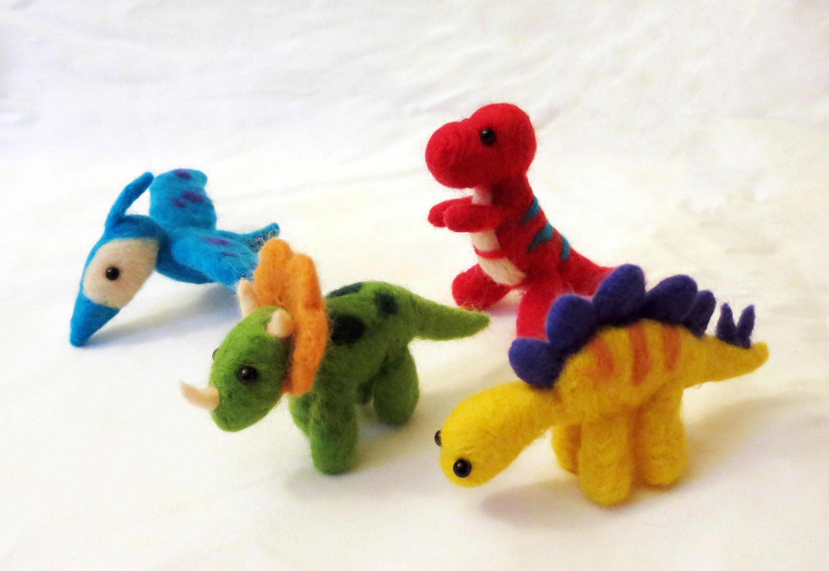 dinosaurs-craftyeggs